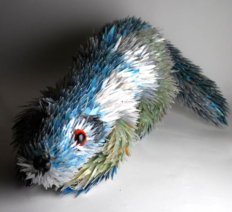 animal sculptures made from shattered cds sean avery (8)