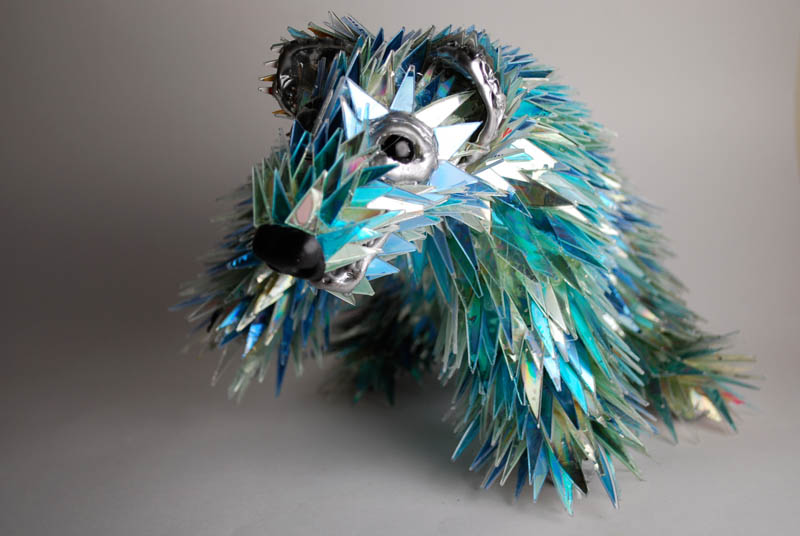 animal sculptures made from shattered cds sean avery (1)