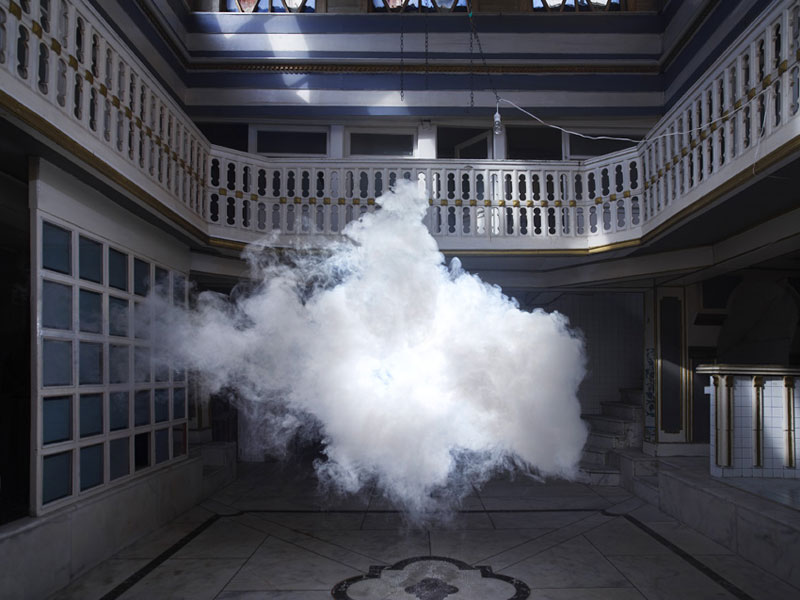 indoor nimbus cloud art installation by berndnaut smilde (1)