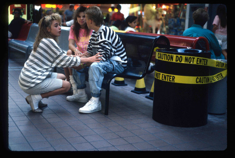 pictures from malls across america in 1989 (8)