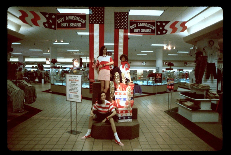 pictures from malls across america in 1989 (2)
