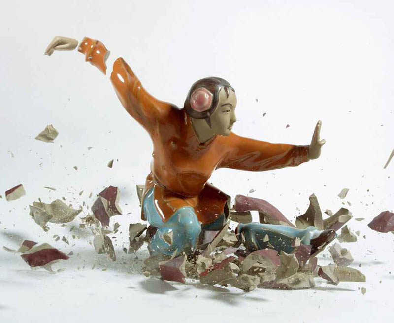porcelain figures high speed photography as they smash drop to ground shatter klimas (3)