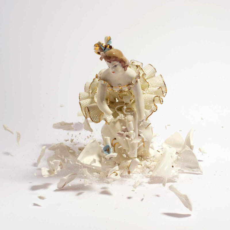 porcelain figures high speed photography as they smash drop to ground shatter klimas (6)
