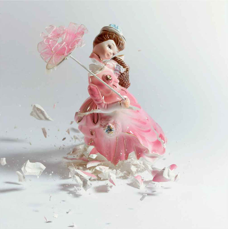 porcelain figures high speed photography as they smash drop to ground shatter klimas (7)
