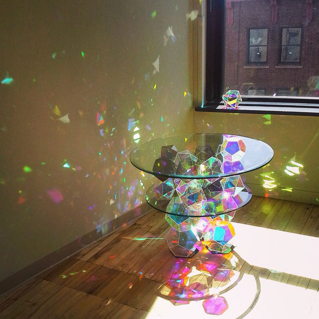 Sparkle Tables that Come to Life withSunlight