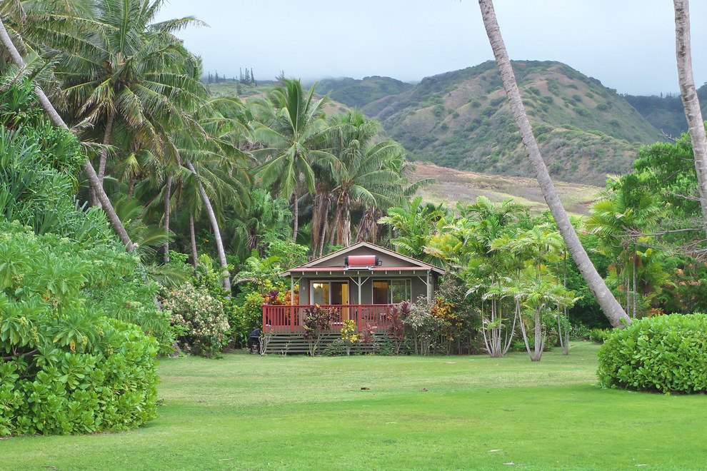 This cottage lost in paradise in Molokai, Hawaii.