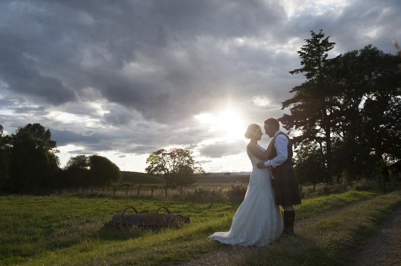 Venue: Balmakewan Farm. Photographer: Donna Murray Photography