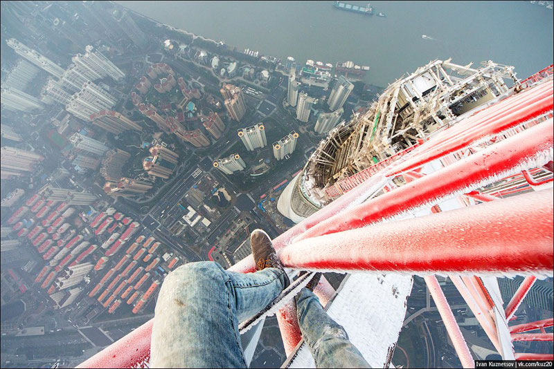 photos that look straight down from perilous heights by ivan kuznetsov (2)