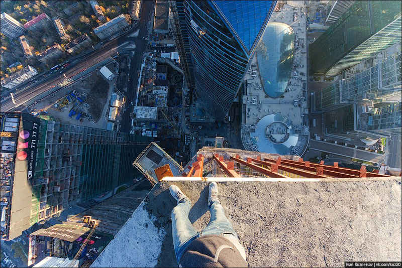 photos that look straight down from perilous heights by ivan kuznetsov (4)