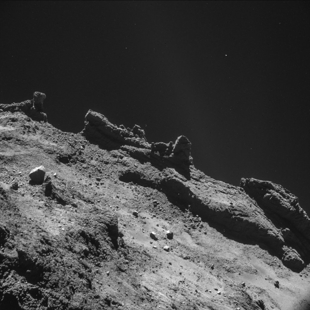 HQ Photos by Rosetta and Philae (3)