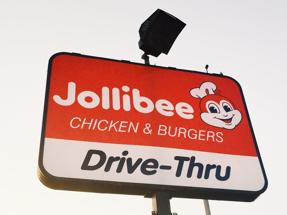 81 Things That Happen When You Eat At Jollibee For The First Time In Years