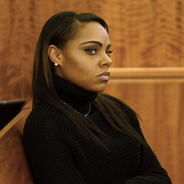 Aaron Hernandez's Fianceé Faces An Unenviable Dilemma On The Stand – BuzzFeed News