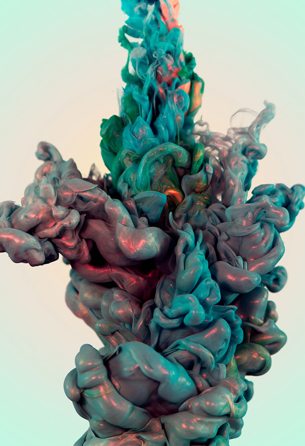 High Speed Photos of Ink and Metal Dropped Into Water by alberto seveso (6)