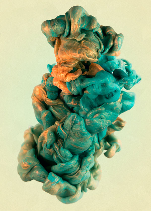 High Speed Photos of Ink and Metal Dropped Into Water by alberto seveso (2)