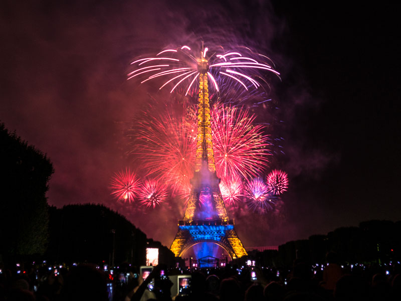 eiffer tower fireworks bastille day july 14 2014 (7)