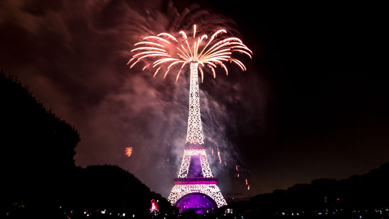 eiffer tower fireworks bastille day july 14 2014 (5)