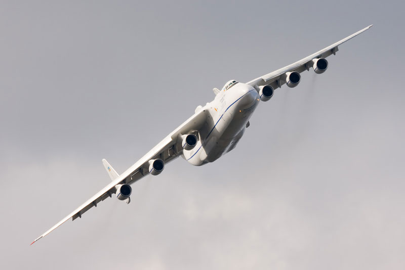 The Largest Airplane Ever Built antonov an 225 mriya (8)