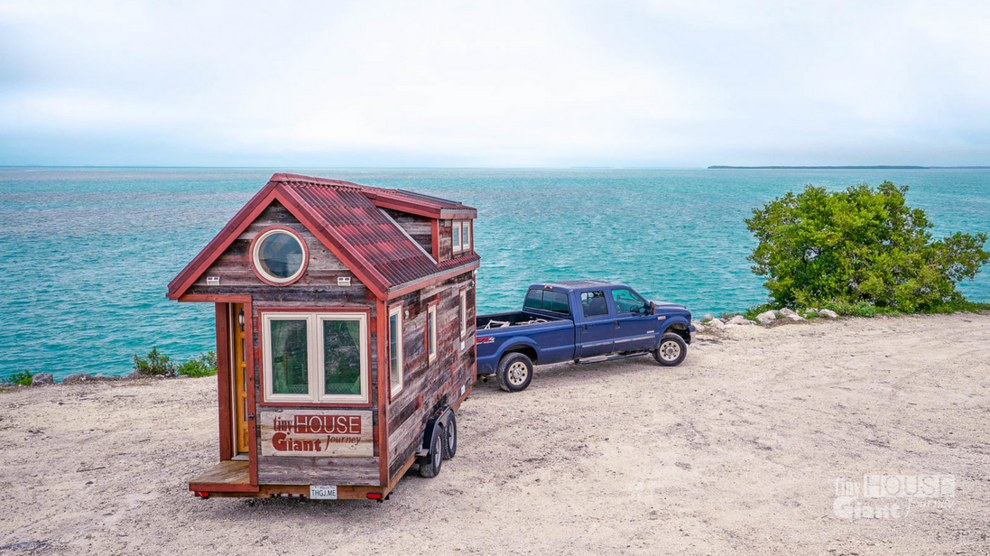 This Couple Quit Their Jobs To Travel The Country In A Tiny House They Built