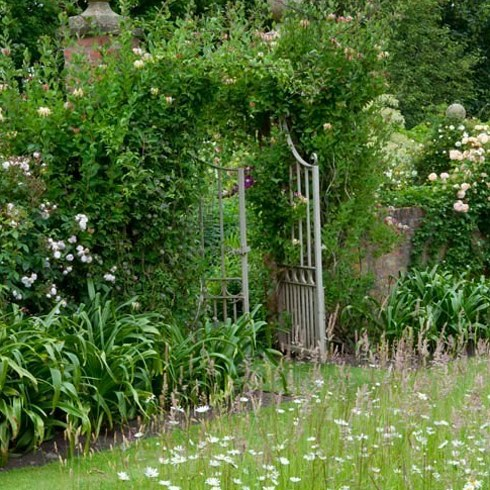 15 breathtaking wild gardens in britain you must visit - Wild Garden