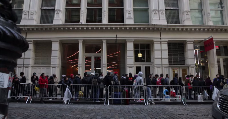 24 Hours with iPhone 6 Line Sitters in New York