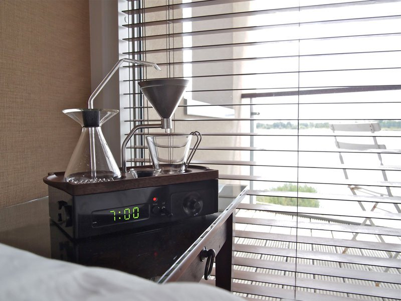 Alarm Clock wakes You Up With Fresh Cup of Coffee the barisieur by joshua renouf (20)
