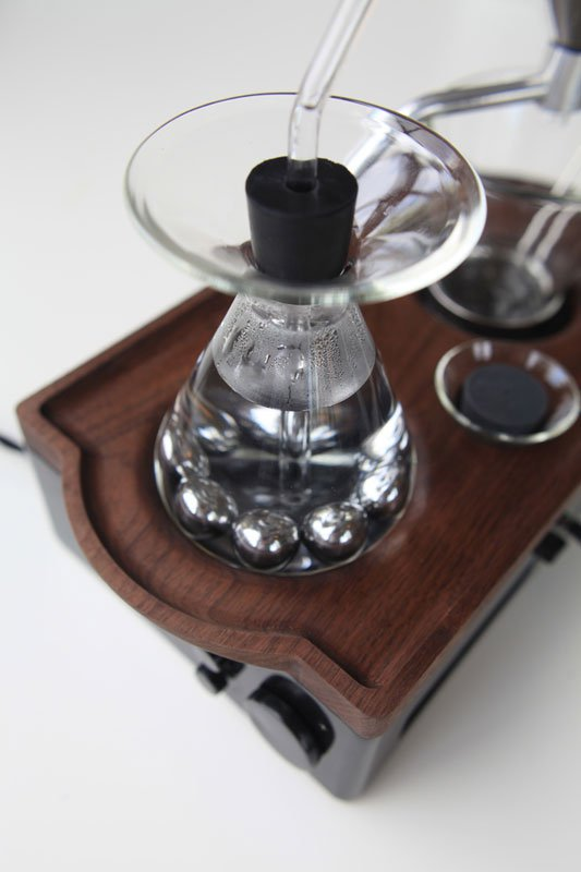 Alarm Clock wakes You Up With Fresh Cup of Coffee the barisieur by joshua renouf (8)