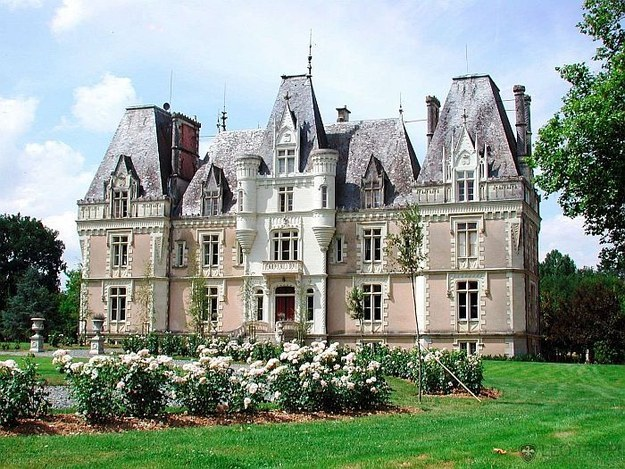 Beuvriere Castle, France