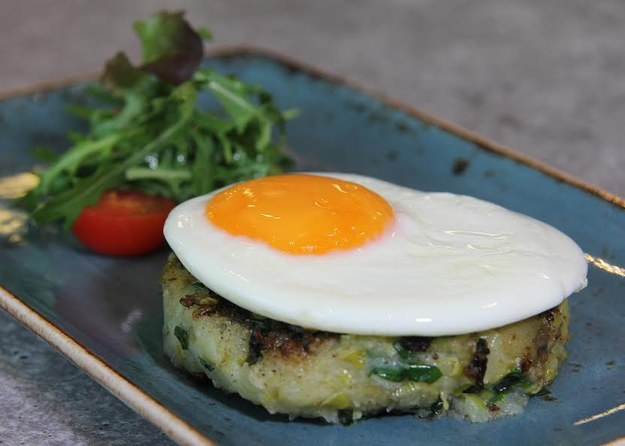 Bubble and squeak cake and fried egg at Café Opus
