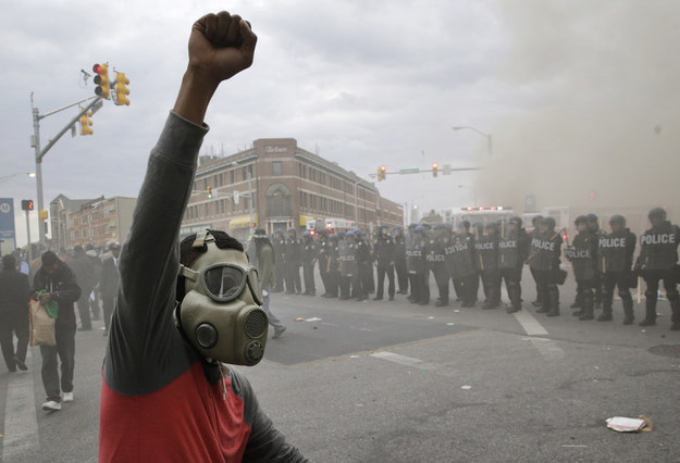 "Ray Lewis Tells Baltimore Rioters To ""Get Off The Streets"""