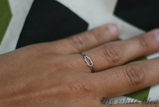 Wire knot ring